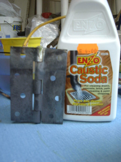 Removing Rust by Electrolysis